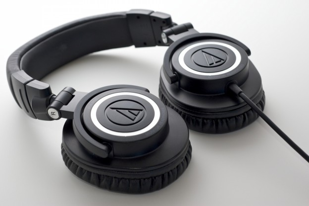 Audio-Technica ATH-M50 Professional Studio Monitor Headphones Coiled Cable Review