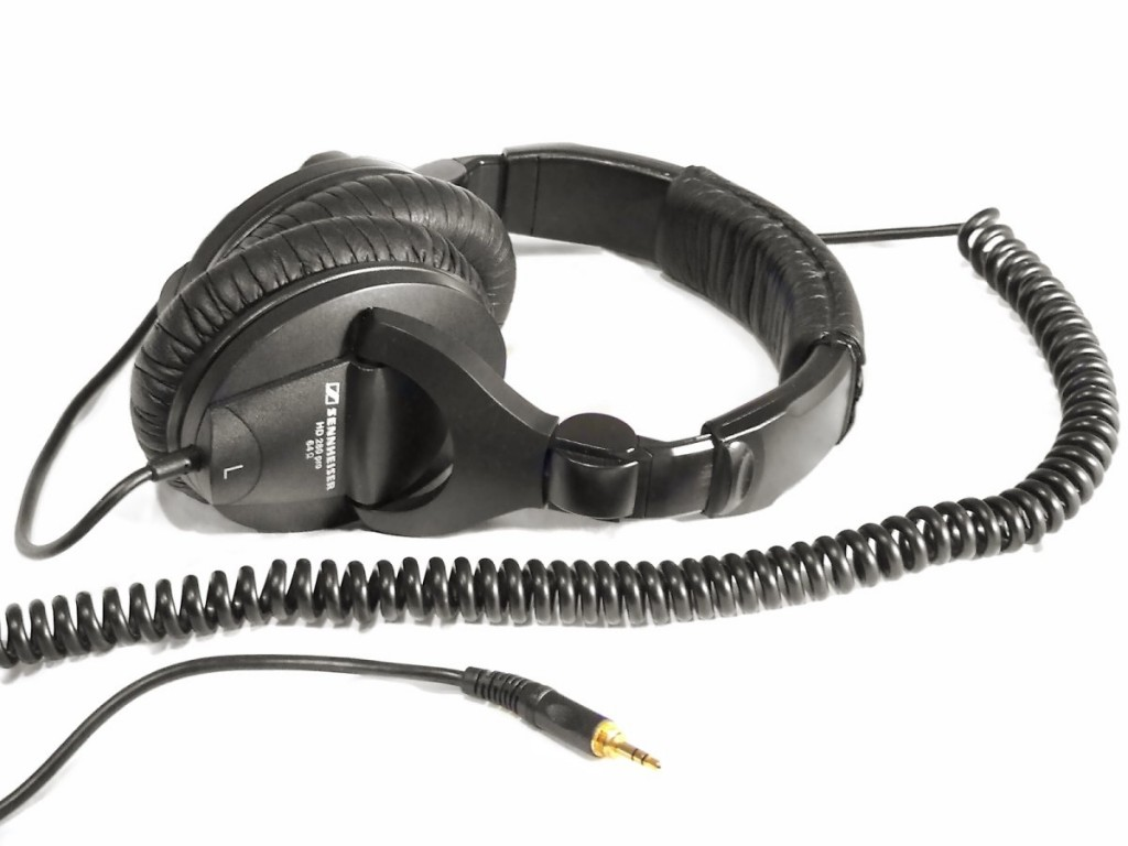 Sennheiser HD 280 PRO Headphones 01